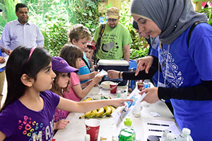 Science Rendezvous volunteers at the Zoo